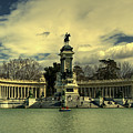 King Alfonso Monument  by Rob Hawkins