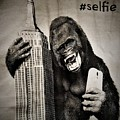 King Kong Selfie by Rob Hans