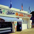 Kohrs Ice Cream Seaside Park by Bob Cuthbert