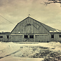 Larsen Road Barn by Joel Witmeyer