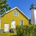 Lighthouse  by Roberta Bragan