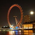 London Eye At Night by Bonnita Moaby
