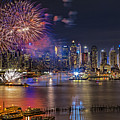 Manhattan Nyc Summer Fireworks by Susan Candelario