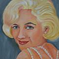 Marilyn Monroe With Pearls by To-Tam Gerwe