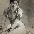 Mata Hari Sketch by Joaquin Abella
