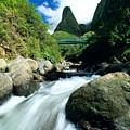 Maui, Iao Needle by Bob Abraham - Printscapes