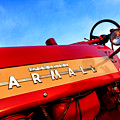 Mccormick Farmall 450 by Olivier Le Queinec