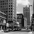 Milwaukee Street Scene B-w by Anita Burgermeister