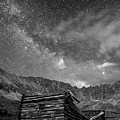 Minin Ruins And Milky Way Black And White by Aaron Spong