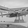 Mitchell International Airport by Tommy Anderson