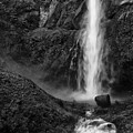 Multnomah Falls In Black And White by Renee Hong