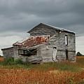 Old Barn by Peyton Roberts