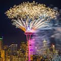 New Year Fireworks - Seattle by Hisao Mogi