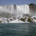 Niagra Falls by Leesa Lee