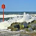 North Sea Waves by Martyn Arnold