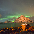 Spectacular Night In Lofoten 3 by Dubi Roman