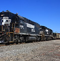 Ns 5066 And A B32-8 11 by Joseph C Hinson Photography