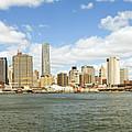 Ny East River by Paul Fell
