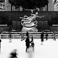 NYC Rockefellar Iceskating by Nina Papiorek
