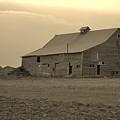 Old Barn by Amanda Pottle