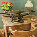 Old Underwood Typewriter by Allen Sheffield