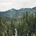 Oregon Cascade Range by Kyle Hanson