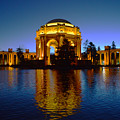 Palace Of Fine Arts by Dragan Kudjerski