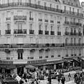 Paris Street Scene by Ashlyn Gehrett
