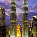 Petronas Towers by Fabrizio Troiani