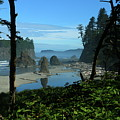 Picturesque Ruby Beach View by Christiane Schulze Art And Photography