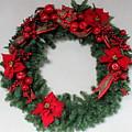 Poinsettia Wreath by Mina Thompson