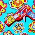 Pop Ray Gun by Lynnda Rakos