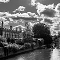 Punting, Cambridge. by Nigel Dudson