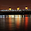 Queen Mary Panorama  by Mariola Bitner