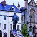 Reach Out - Belfast Ireland by Jon Berghoff
