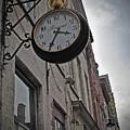 Recour Horlogebedrijf by Jost Houk