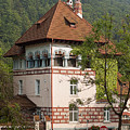Romanian Villa by Christian Hallweger