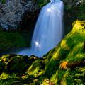 Sahalie Falls by Lincoln  Weaver