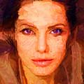 Sandra Jolie by Caito Junqueira