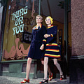 Sara Crichton-stuart And Twiggy Shopping by Ray Traeger