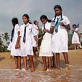 School Trip To Beach by Rafa Rivas