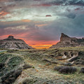 Scotts Bluff Sunset by Susan Rissi Tregoning