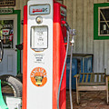 Sinclair Gasoline by Lorraine Baum