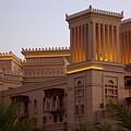 Souk Madinat Jumeirah Dubai 2 by Iain MacVinish