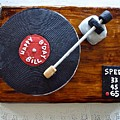 Record Player Cake by Elisabeth Derichs