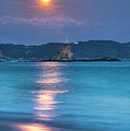 Sparkle Of Orange (full Moon) by Tommy Tsutsui