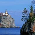 Split Rock Lighthouse - Fs000120 by Daniel Dempster