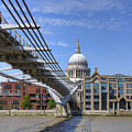 St Paul's Cathedral by Joana Kruse