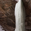 Starved Rock Icefall by Steve Gadomski