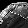 Stingray Split Window 1963 In Black And White by Gill Billington